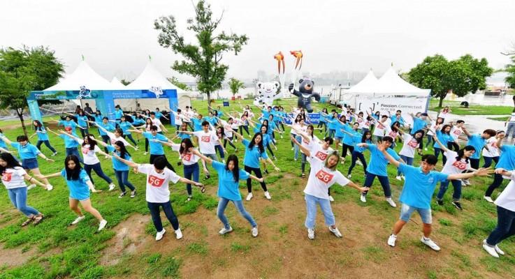 대학생 미소국가대표 16기, 2018 평창동계올림픽 G-200 기념 '한강 몽땅축제' 연계 K스마일 캠페인 홍보